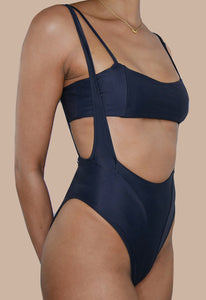 Black high-cut suspender swimsuit