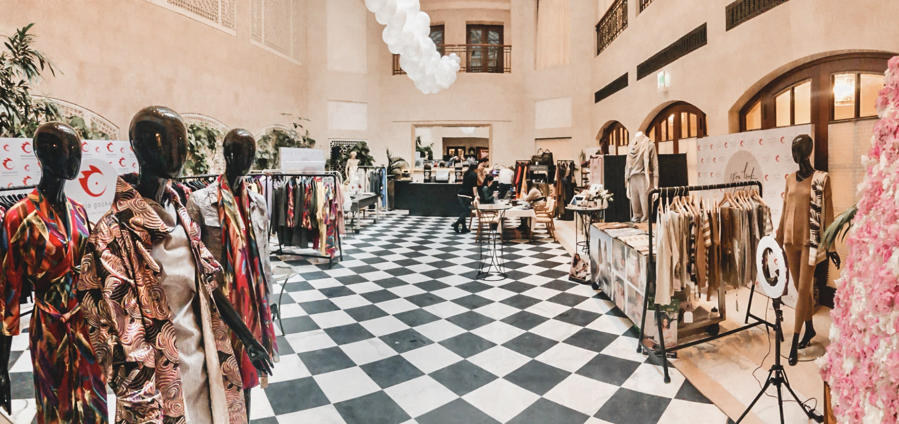 popup store you look perfect im hotel Adlon kempinski