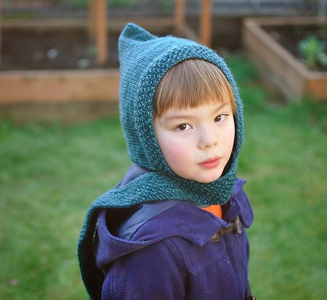 Free Pattern from amirisu - Pixie Scarf Hat