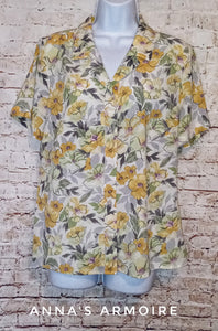 Jaclyn Smith Button Down Top Size L