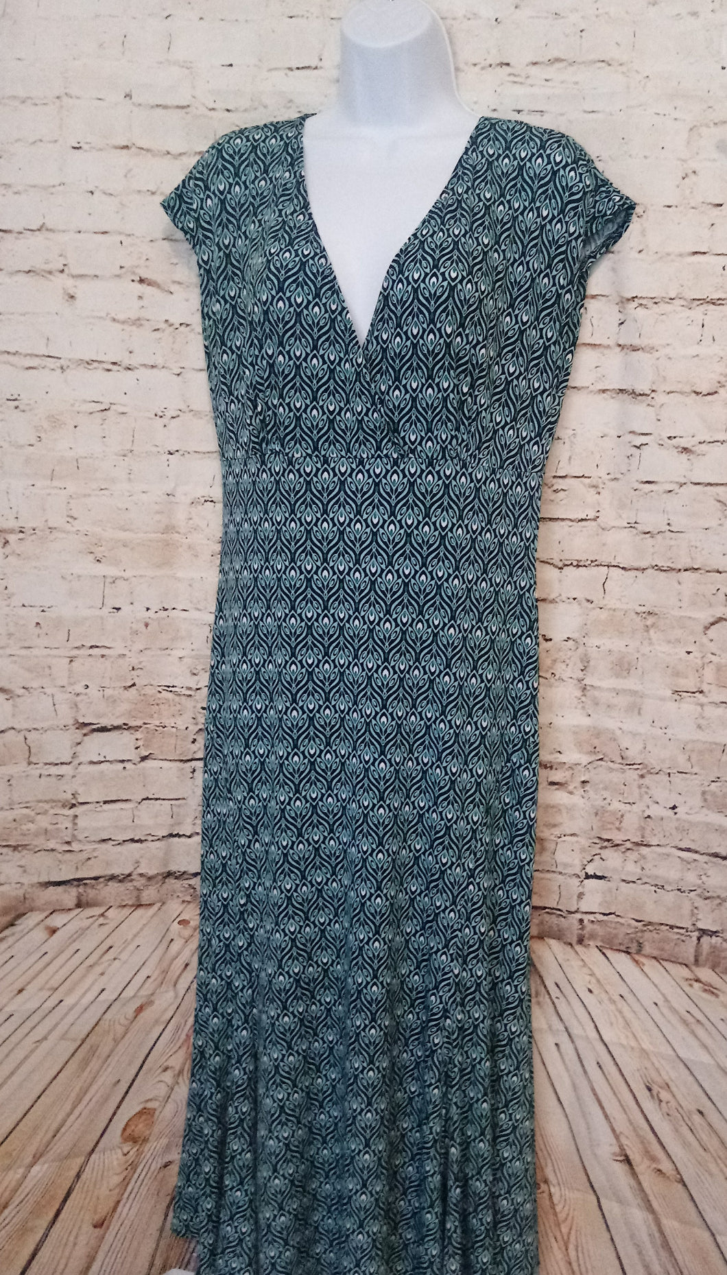 Dressbarn Sleeveless Dress Size 10 - Anna's Armoire