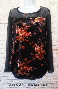Lexington Avenue Velvet Top Size M - Anna's Armoire