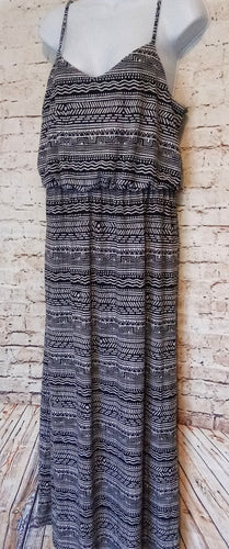 Faded Glory Maxi Dress Size L - Anna's Armoire