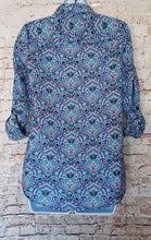 Load image into Gallery viewer, Kim Rogers Button Down Top Size S
