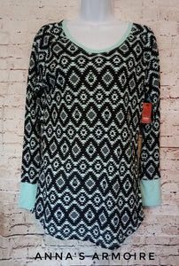 New with Tags No Boundaries Thermal Tee Size 15/17 - Anna's Armoire
