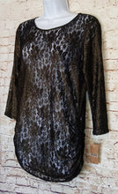 Load image into Gallery viewer, New with Tags Cremeiux Lace Top Size M