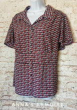 Load image into Gallery viewer, Lane Bryant Button Down Top Size 14/16 - Anna's Armoire