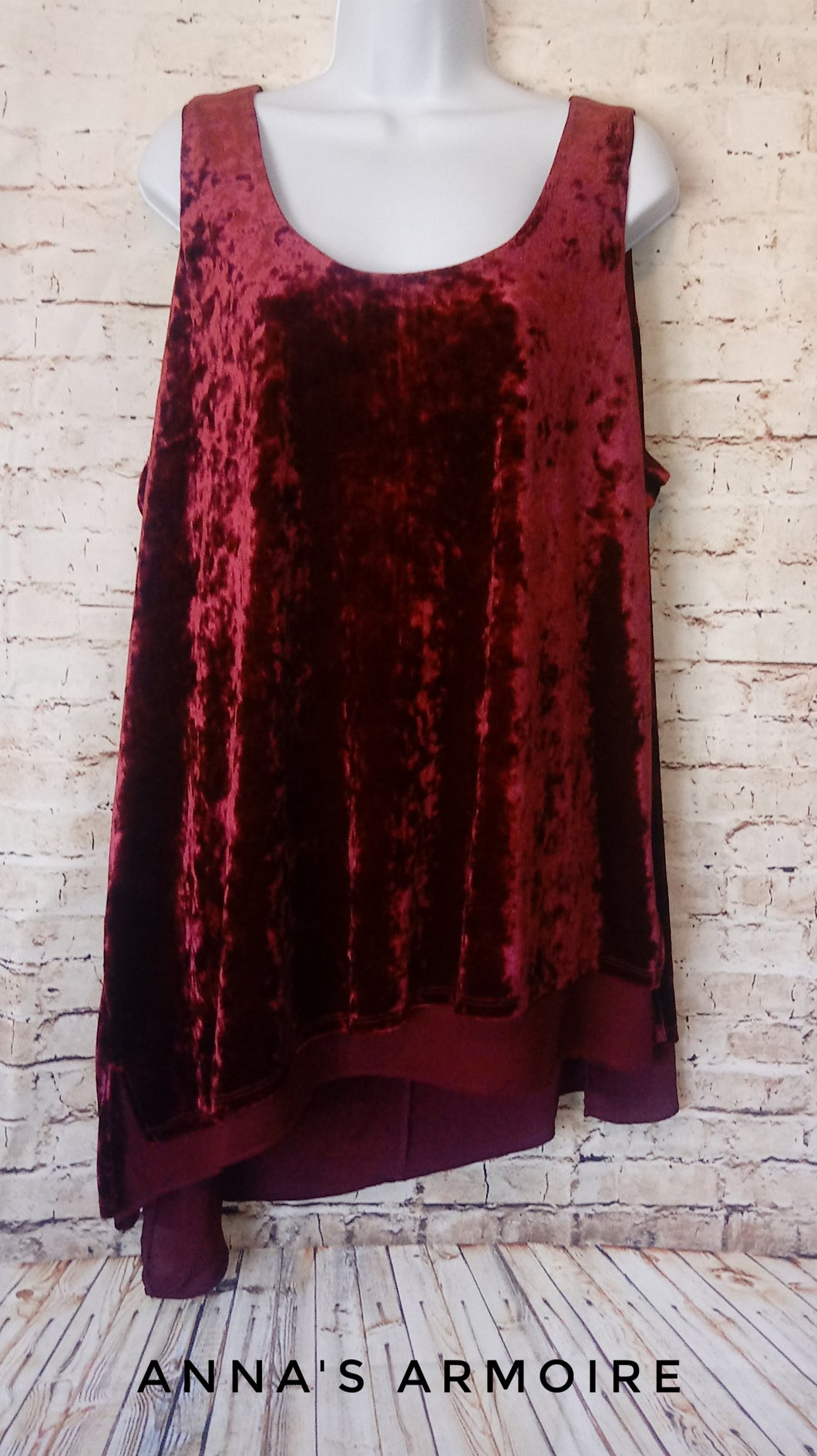 New with Tags Zoe+Phoebe Velvet Top 2X - Anna's Armoire