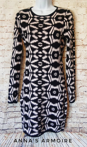 Charlie Jade Sweater Dress Size L - Anna's Armoire