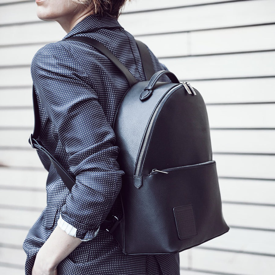 Medium Backpack - Black / Gunmetal