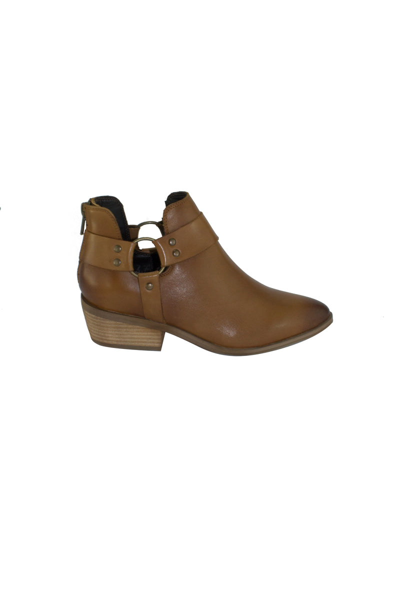 Oakley Leather Ankle Boots - Tan