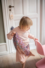 Load image into Gallery viewer, TINY DANCER SWEATSHIRT | SHELL - Töastie