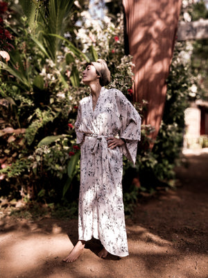 The Goa Robe, Japanese White