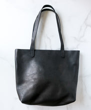 Load image into Gallery viewer, Yonnah Leather Tote in Black