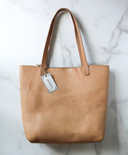 Load image into Gallery viewer, Yonnah Leather Tote in Natural
