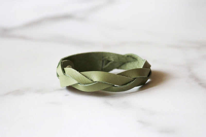 Yonnah Leather Bracelet in Green