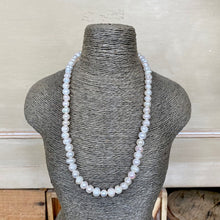 Load image into Gallery viewer, Elegant Freshwater Pearl Necklace