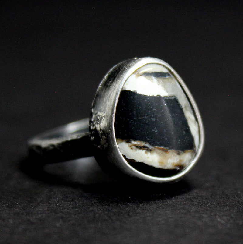 size 6 white buffalo ribbon ring