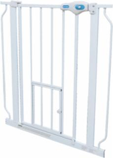Carlson Extra Wide Walk-Thru Gate with Pet Door (32