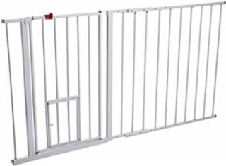 Carlson Maxi Walk Thru Gate With Pet Door
