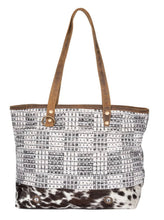 Load image into Gallery viewer, Dusky Eve Tote Bag