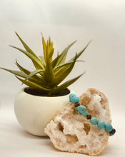 Load image into Gallery viewer, Faceted Natural Blue Turquoise Stretch Bracelet
