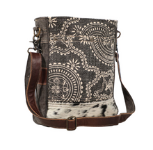 Load image into Gallery viewer, Tribal Dream Shoulder Bag