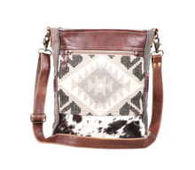 Load image into Gallery viewer, Easy Breezy Shoulder Bag