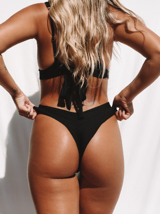 Lagoon Bottom - Black Ribbed