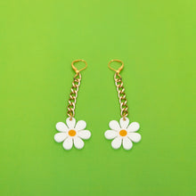 Load image into Gallery viewer, The Baby Daisy Chain Earrings, gold chain with white daisy.