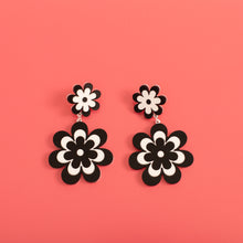 Load image into Gallery viewer, The Double Candy Daisy Stud Earrings,EarringMindFlowers