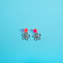 Load image into Gallery viewer, The Metal Daisy Stud Earrings,EarringMindFlowers