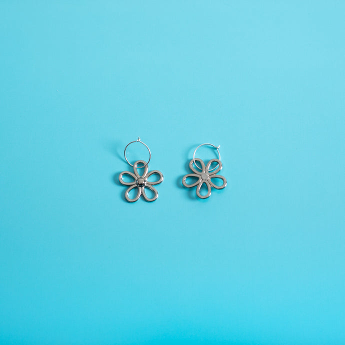 The Metal Daisy Hoop Earrings,EarringMindFlowers