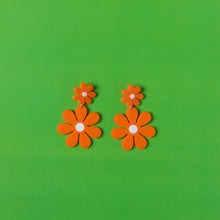 Load image into Gallery viewer, The Double Daisy Stud Earrings