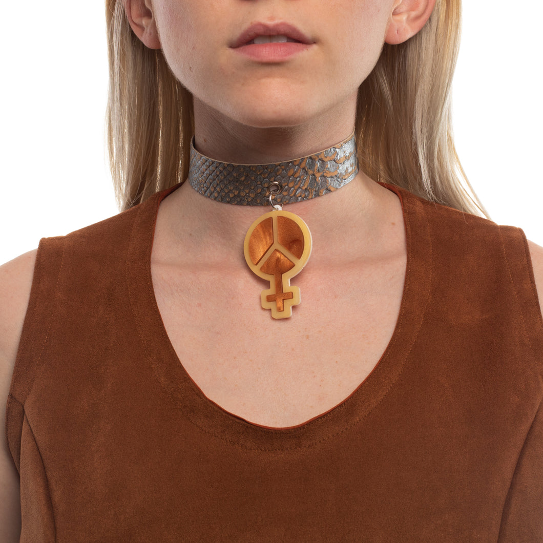 Mindflowers Power of Peace Vegan Snakeskin Choker on Model Psychedelic Brown