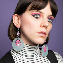 Load image into Gallery viewer, Oh Mod! Floating Dazey Dot & Chain Earrings,EarringMindFlowers