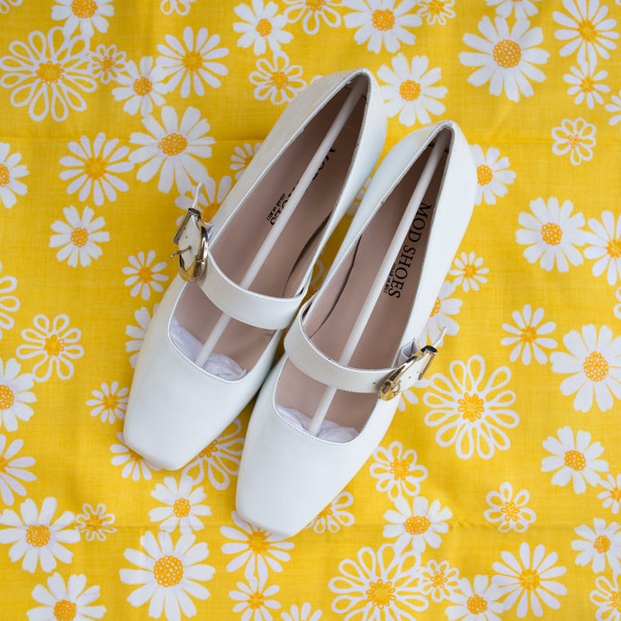 White Mod Shoes,ShoesMindFlowers