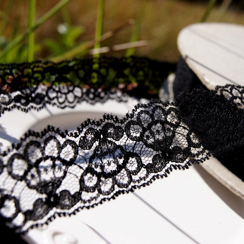 Black Fan Shaped Floral Lace Trim 1⅜