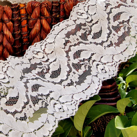 Floral Leaf Off White Galloon Lace 5¼