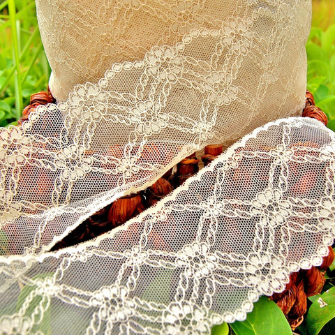Beautiful Beige Criss Cross Diamond Vintage Lace
