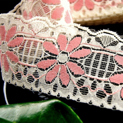 Mauve Pink Daisy Cream Lace Trim