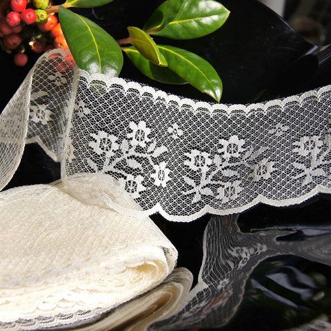 Soft Ivory Scalloped Floral Lace Trim