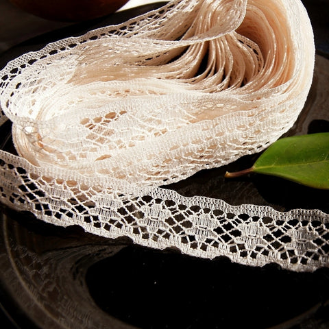 Flower Petal Natural Scalloped Lace Edging