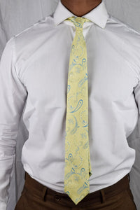 Gold flowers tie