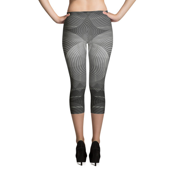 Geombre Black and White Capri Leggings