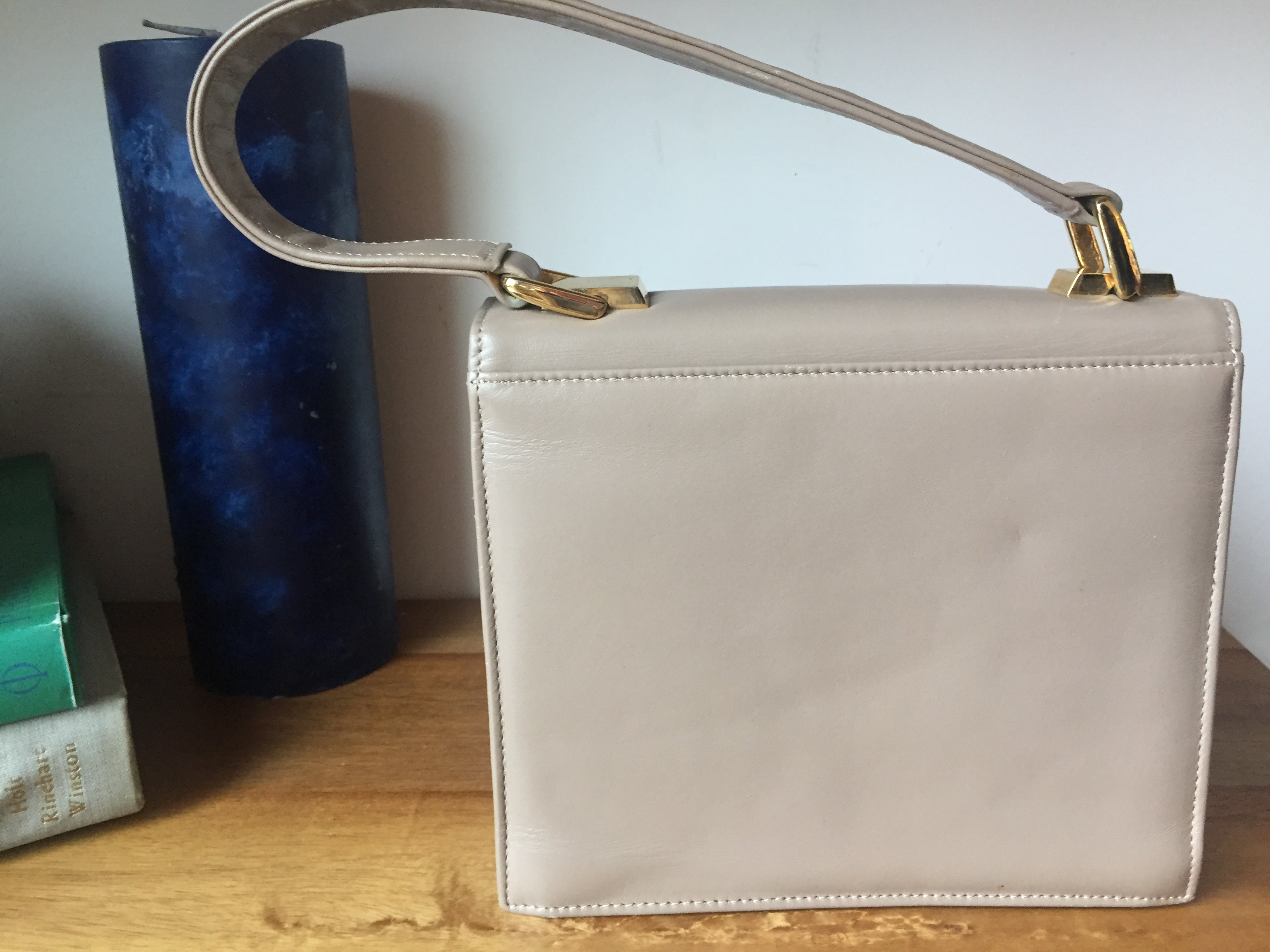 Nina Ricci Vintage Nude Taupe Leather Hang Bag Short Strap Golden Details Magnetic closure Clutch