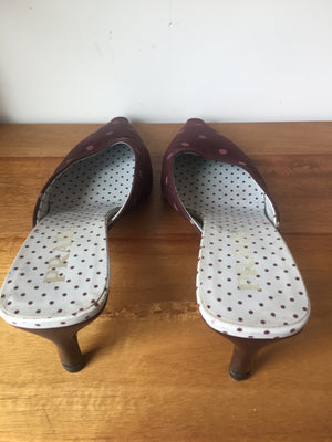Prada Vintage Burgundy Polka Dot Mules Sandals Kitten Heels Made in Italy 37