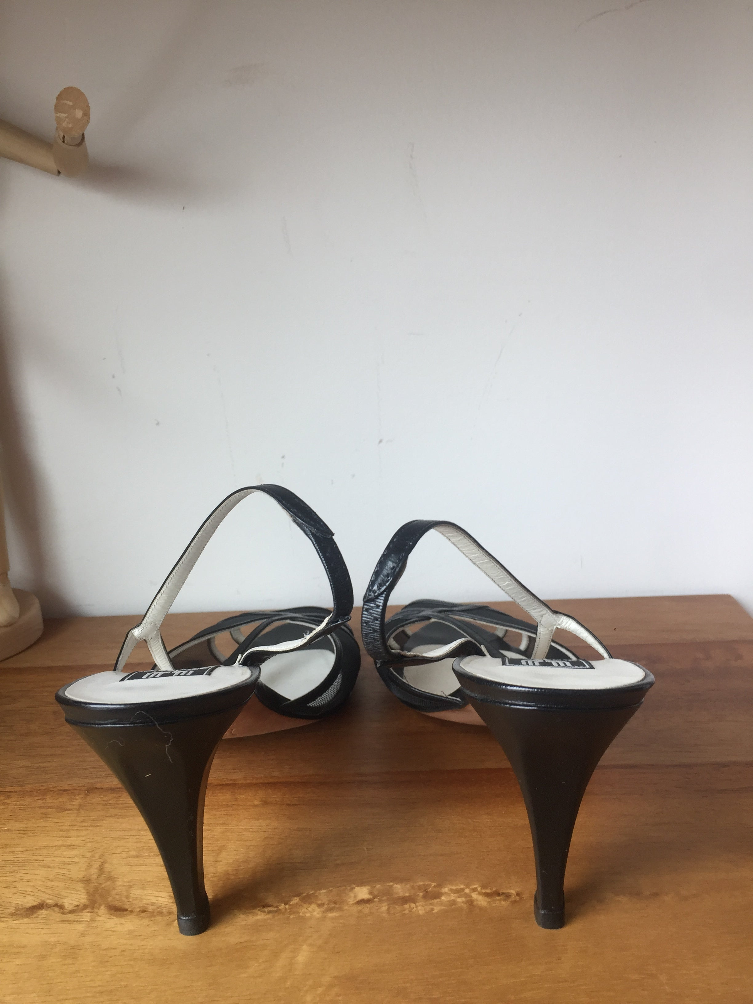 Emanuel Ungaro Paris Vintage Black Sexy Mesh String Leather High Heels Sandals Made in Italy 39