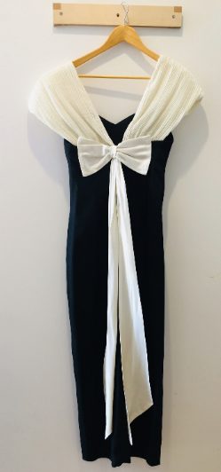 White Shoulder Drapped Ribbon Black Gown Dress Champagne Formals S