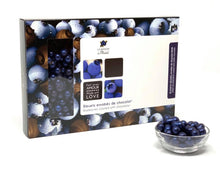 Load image into Gallery viewer, Perles bleuets sauvages enrobés de chocolat noir 70%